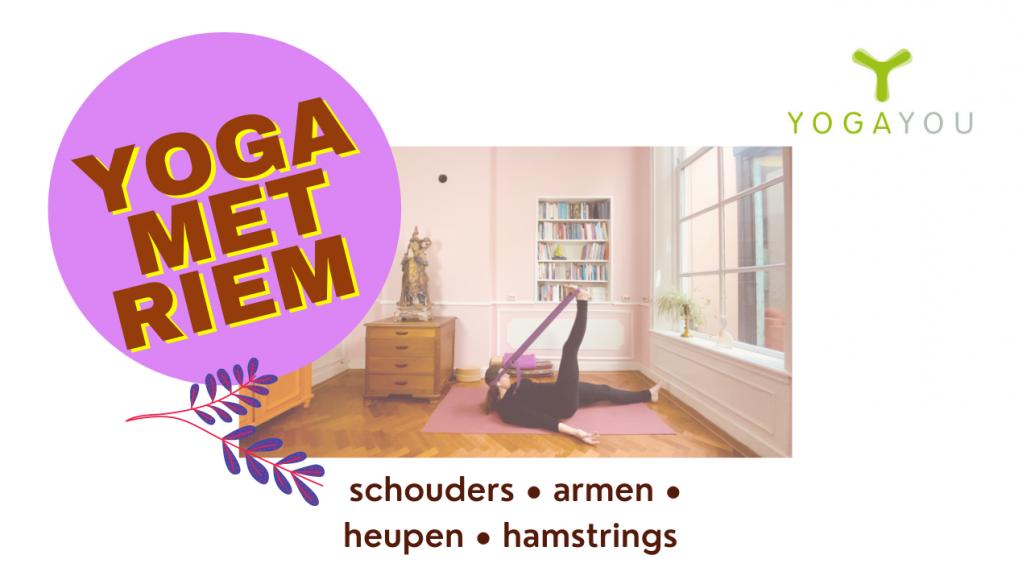 yoga met riem door Marjet van der Linde